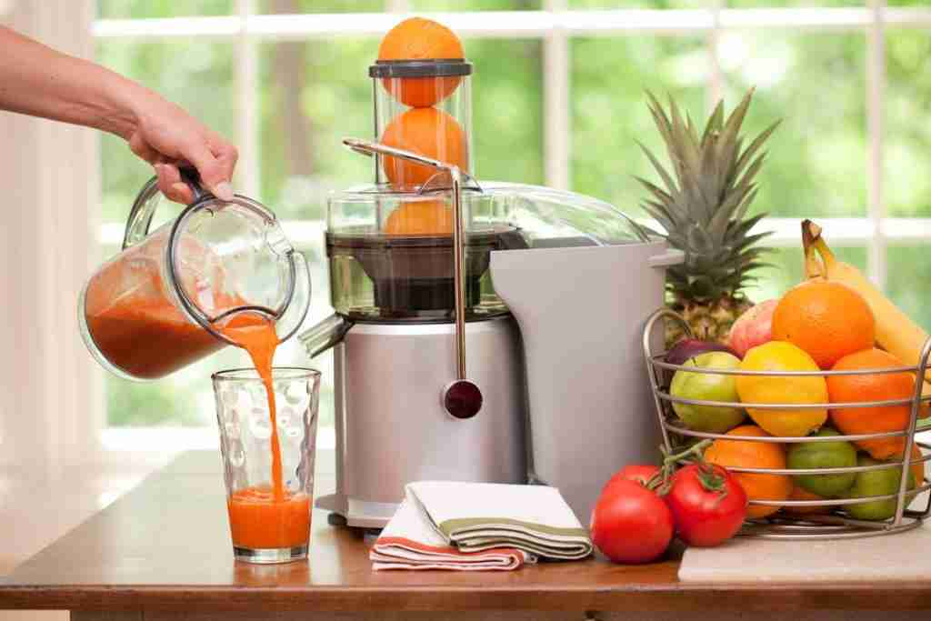 Best juicer 2021 – slow and fast juicers for carrots